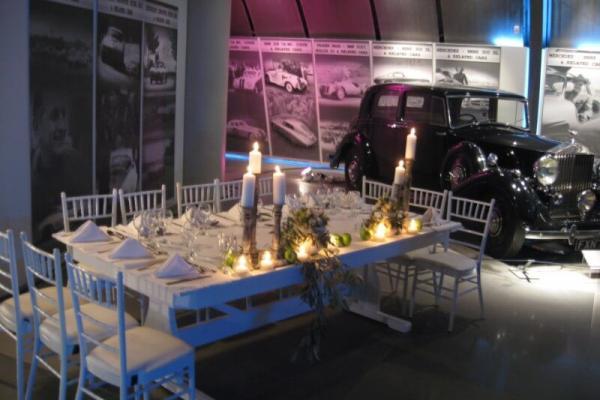 Δεξίωση γάμου στο Ελληνικό Μουσείο Αυτοκινήτου