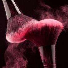 Makeup Artist - Vasia Darzenta