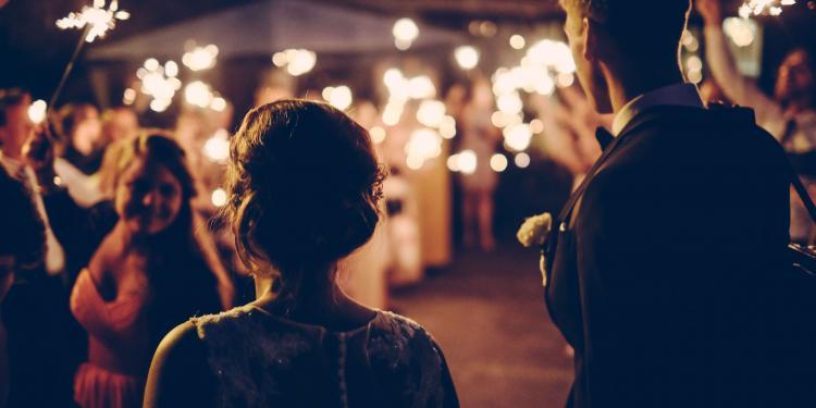 Κορονοϊός: 3 μέτρα που συστήνεται να τηρήσουν οι γάμοι του καλοκαιριού!
