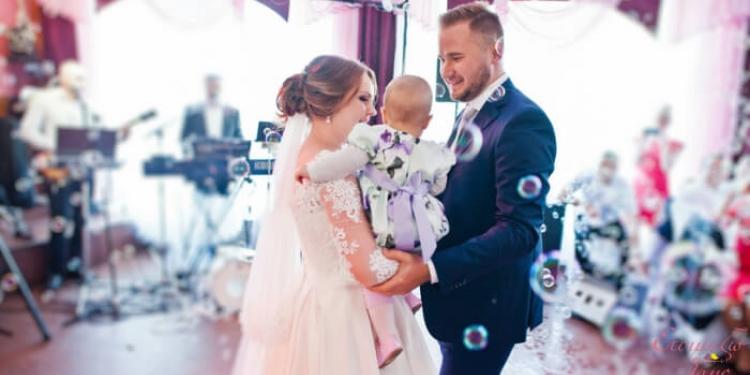 Νυφικά για γάμο κα βάφτιση