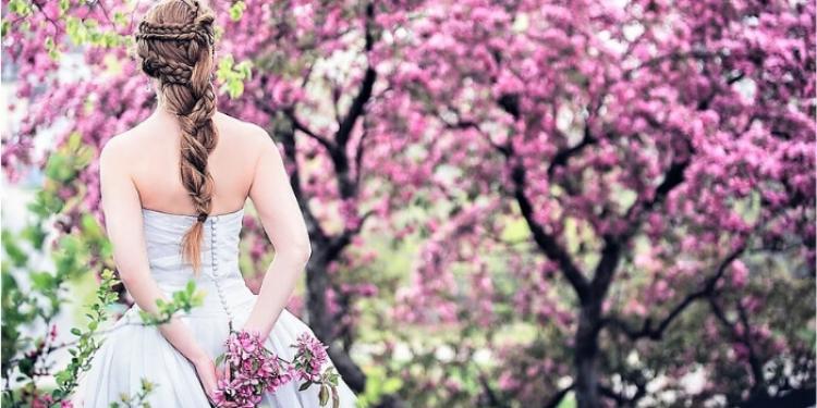 Ανοιξιάτικος Γάμος - Τυποέκφραση